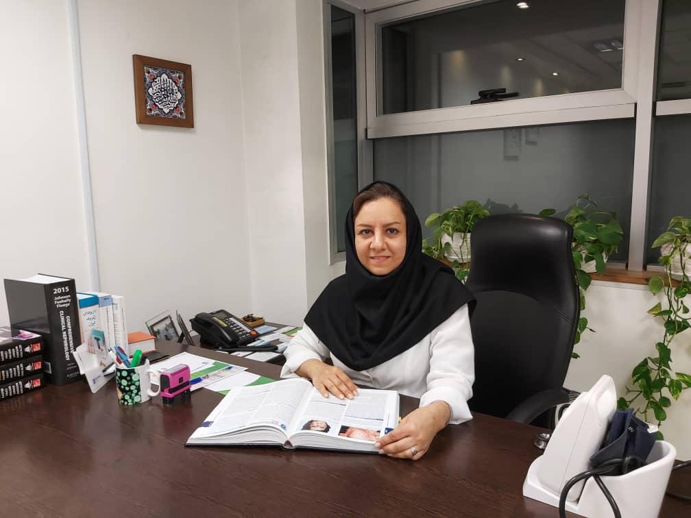 فوق تخصص کلیه اصفهان بیوگرافی دکتر پارین هدایتی